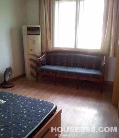 小型卧室简装效果图