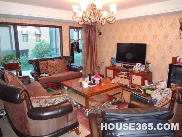 海尚壹品带大地下室,总300平米奢华古欧装修,房东着急