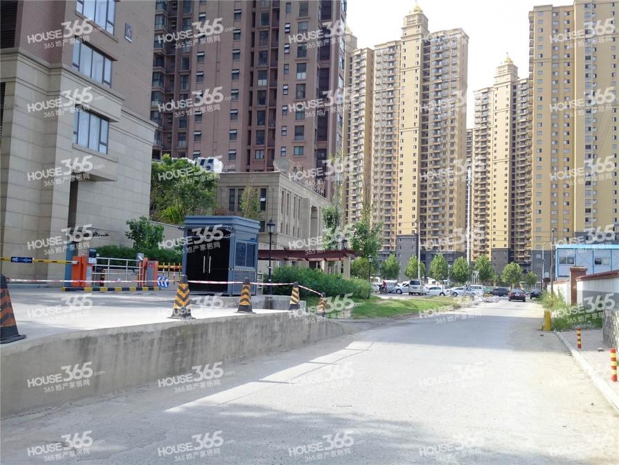 38中学区华润紫云府3室 地铁口 精装无税