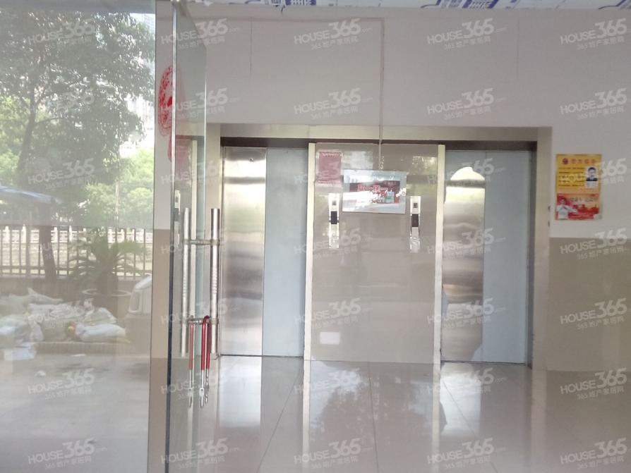 汇利广场2室2厅2卫120平米整租精装