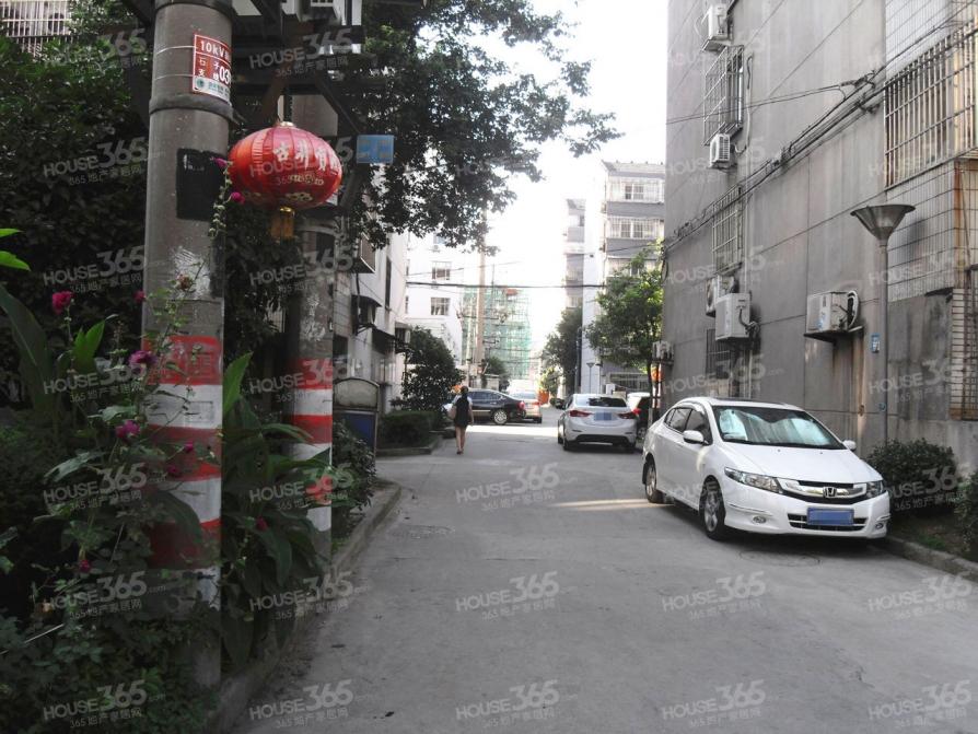 梁溪南禅寺中房石子街小区 3室2厅1卫 95.4平米