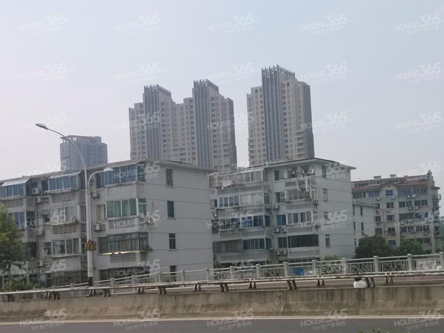 中桥一村2室1厅1卫68平方产权房简装