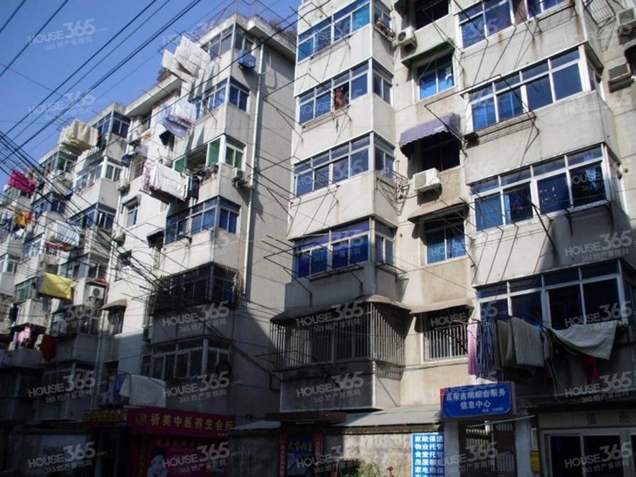 大通小区3室1厅1卫83平米整租简装