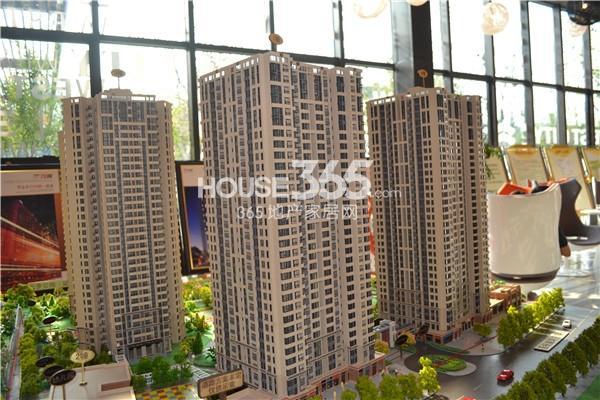 万科西城实景图 一期三栋高层