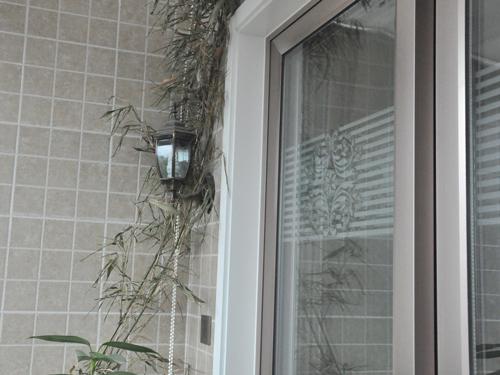 白色门框,共同营造优雅温馨的阳台空间