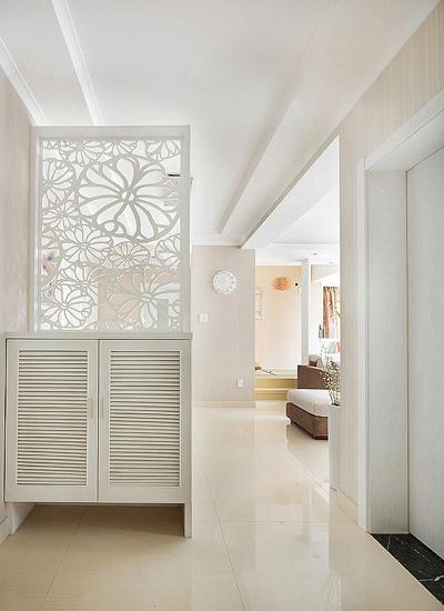 室内装修门效果图大全:洁白无瑕的镂空玄关像蕾丝一样甜美可人,