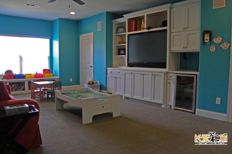 来看看2013年家装客厅电视背景墙设计效果图,让你的客厅拥